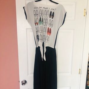 Dresses & Skirts - Knot front cut out maxi dress
